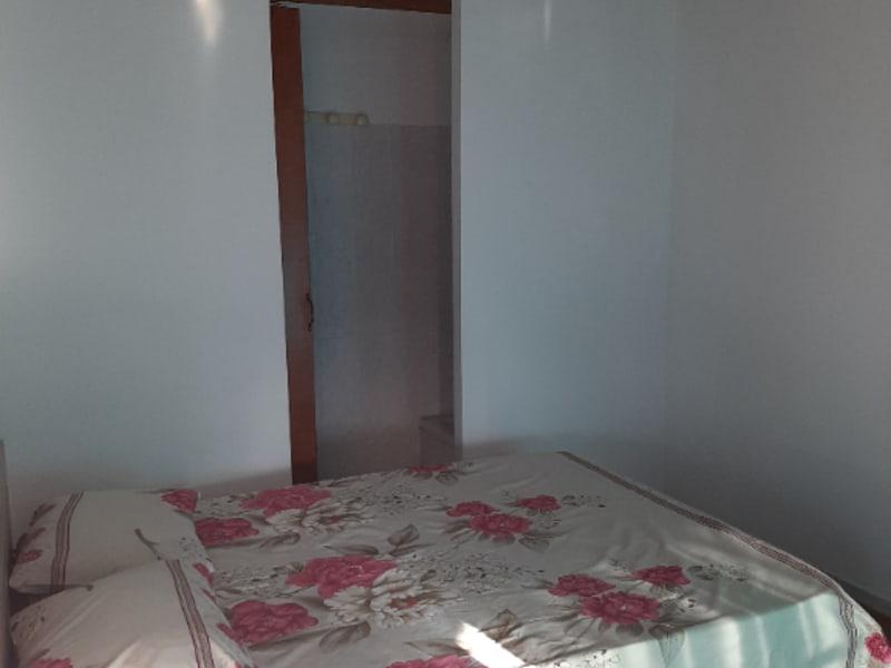 Location appartement Saint francois 750€ CC - Photo 2