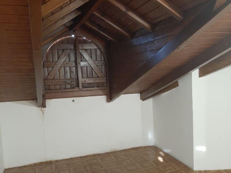 Location appartement Saint francois 750€ CC - Photo 4