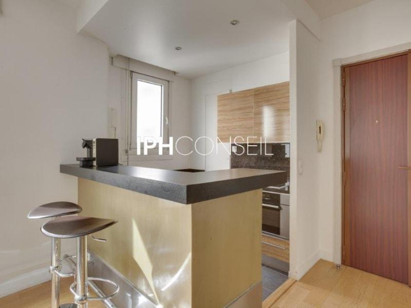 Sale apartment Paris 8ème 995000€ - Picture 4