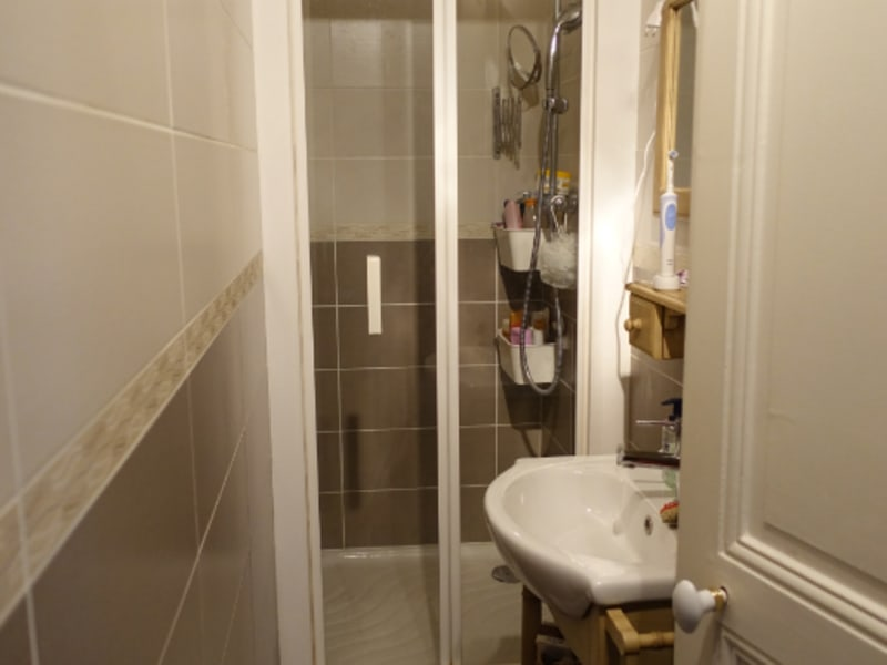 Location appartement Paris 16ème 1260€ CC - Photo 13