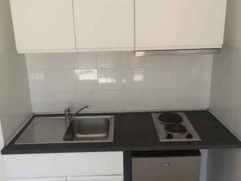 Rental apartment Aix en provence 630€ CC - Picture 2