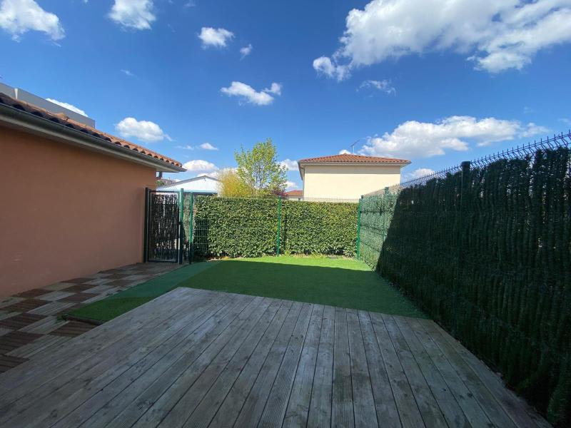 Location maison / villa Villefranche sur saone 874€ CC - Photo 2