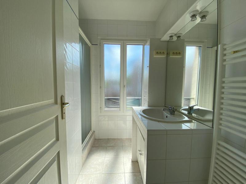Location maison / villa Villefranche sur saone 874€ CC - Photo 9