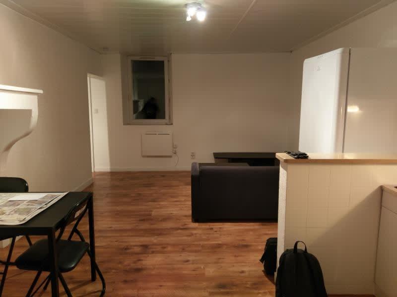 Rental apartment Montreal la cluse 330€ CC - Picture 4