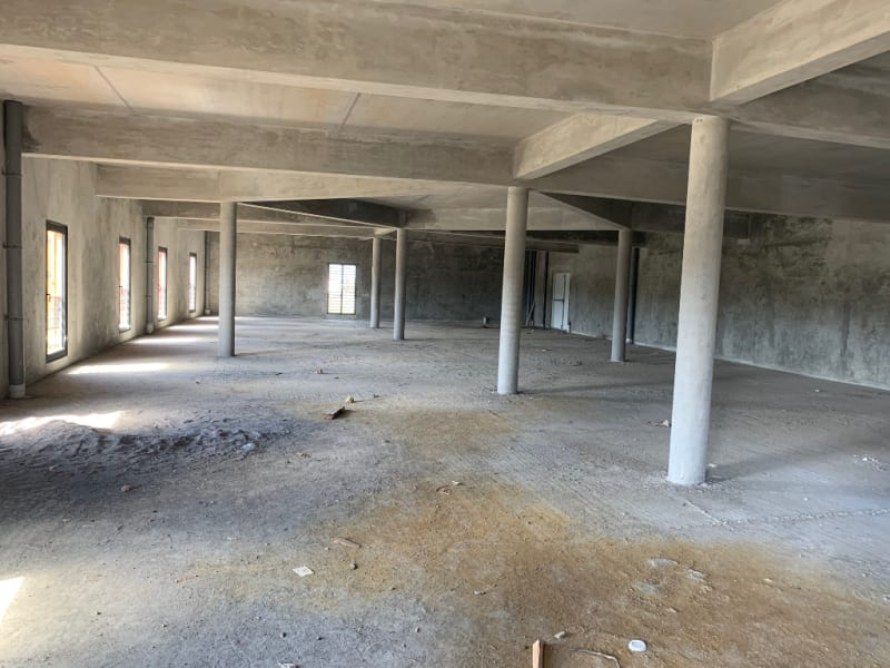 Location local commercial Les abymes 9250€ HC - Photo 1