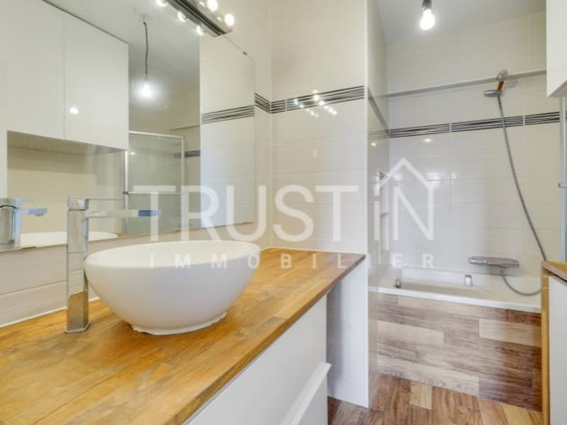 Location appartement Paris 15ème 2240€ CC - Photo 10