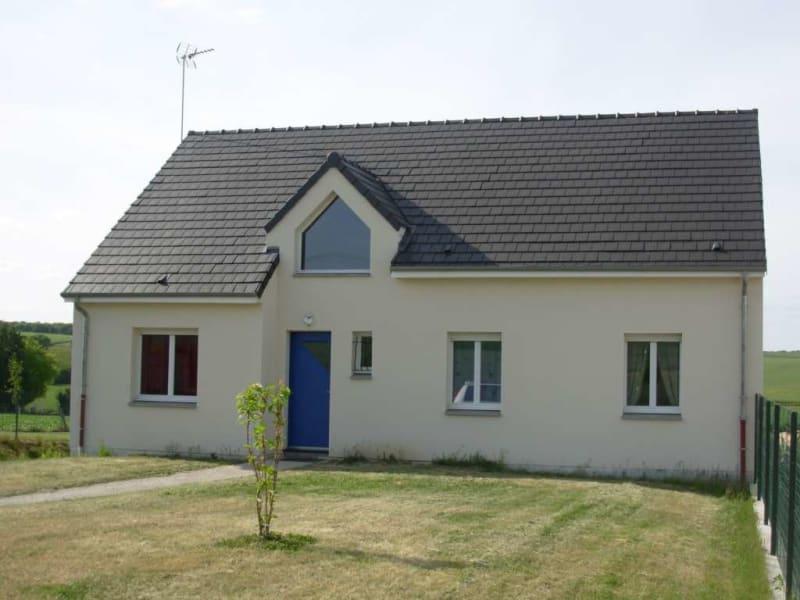 Rental house / villa Homblieres 845€ CC - Picture 1
