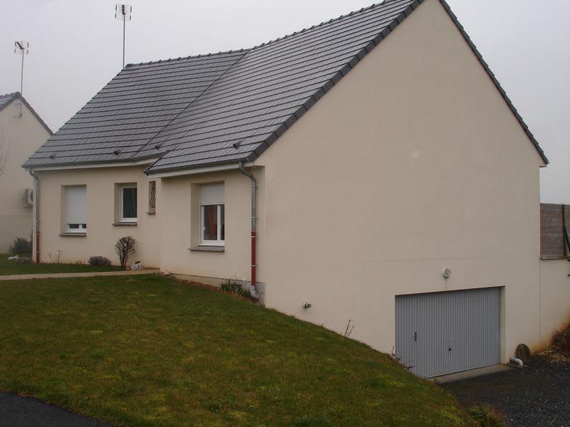 Rental house / villa Homblières 817€ CC - Picture 2