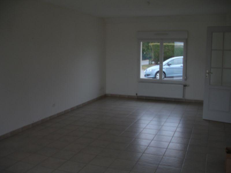 Rental house / villa Homblières 817€ CC - Picture 3