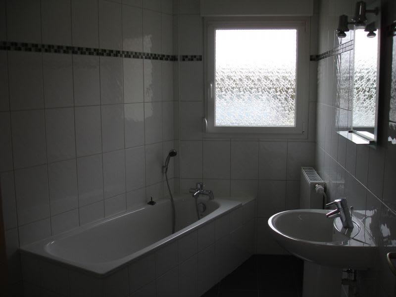 Rental house / villa Homblières 817€ CC - Picture 8