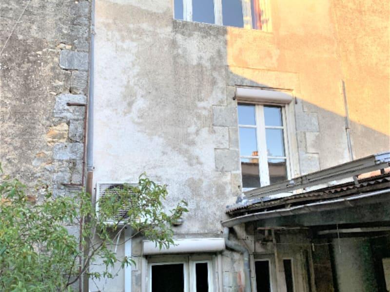 Sale house / villa Gencay 57000€ - Picture 2