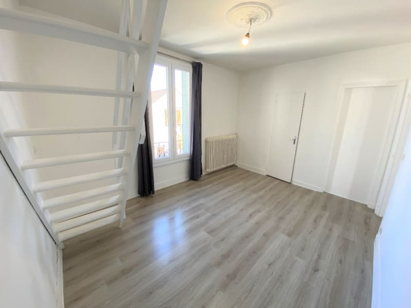 Rental apartment Pierrelaye 678€ CC - Picture 1