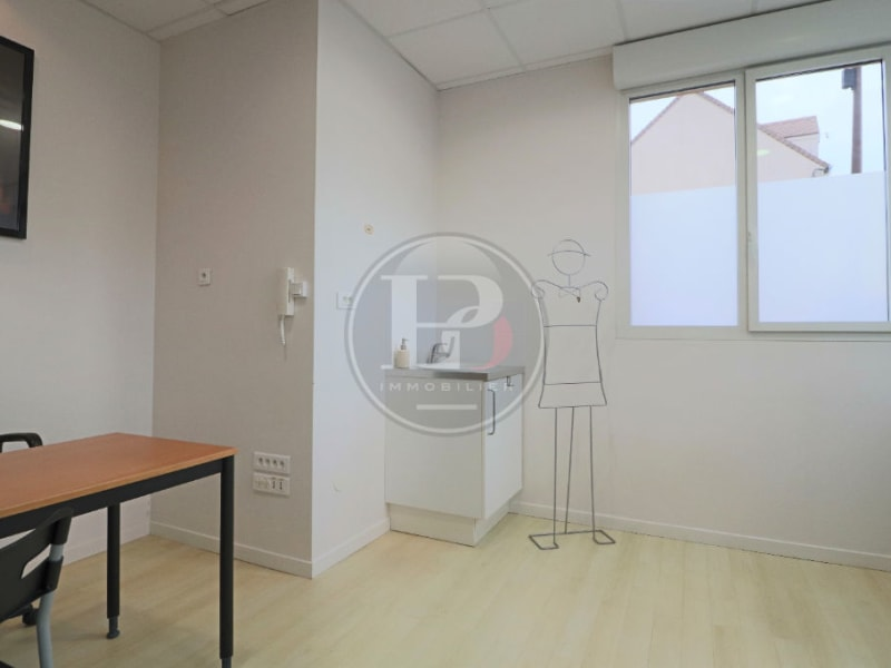 Rental office Houdan 800€ HC - Picture 2