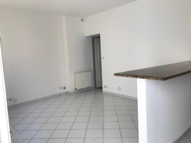 Location appartement Bordeaux 554,12€ CC - Photo 2