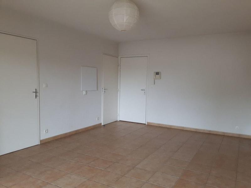 Rental apartment Hasparren 462€ CC - Picture 3