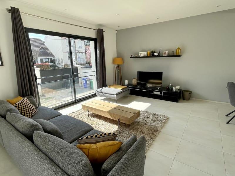 Sale house / villa Le raincy 698000€ - Picture 5