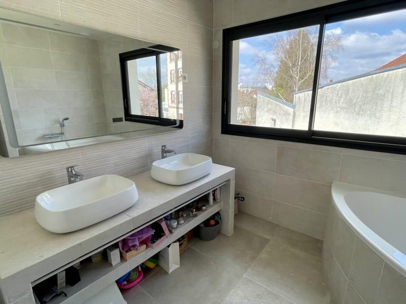 Sale house / villa Le raincy 698000€ - Picture 9