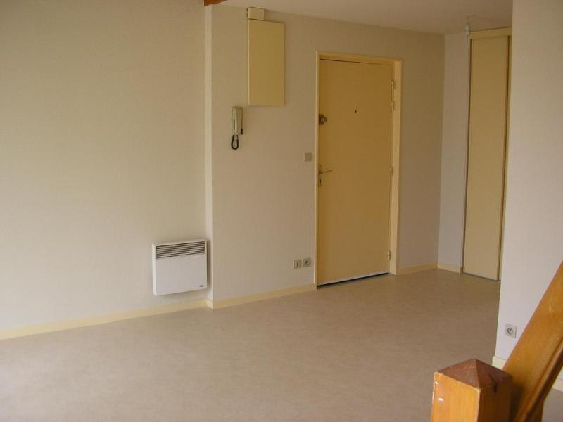 Location appartement Port 600€ CC - Photo 2