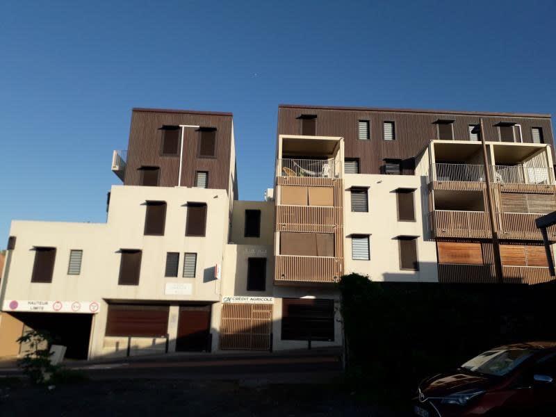 Location appartement St pierre 1001€ CC - Photo 4