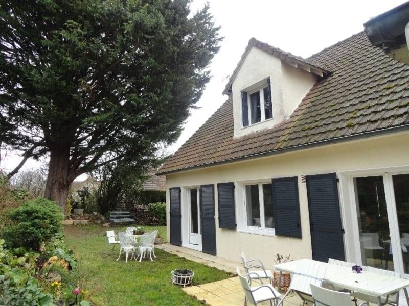 Sale house / villa Crespieres 560000€ - Picture 1