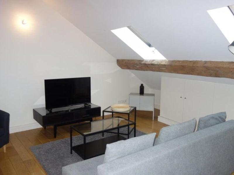 Rental apartment Lyon 2ème 1084€ CC - Picture 2