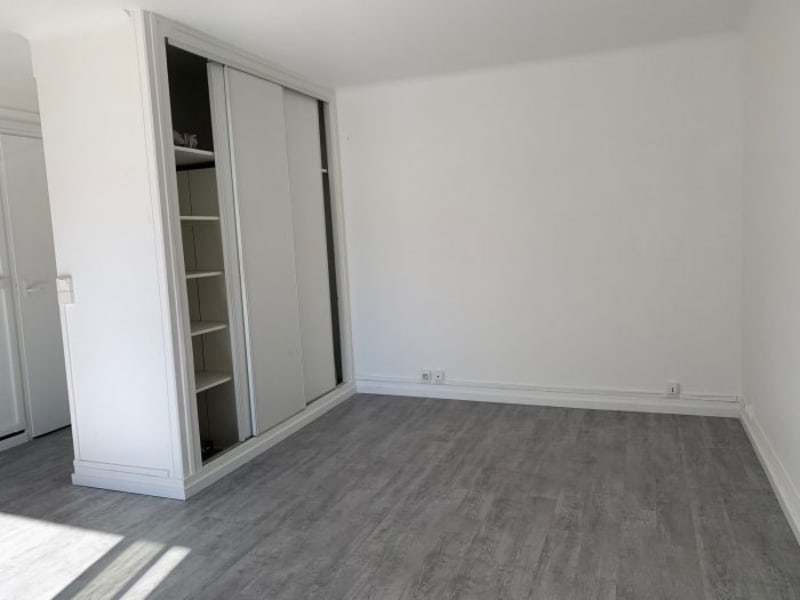 Rental apartment Le plessis-robinson 730€ CC - Picture 3