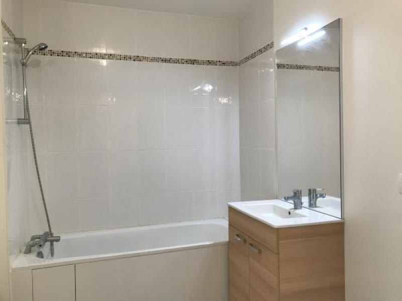 Rental apartment Montigny le bretonneux 890€ CC - Picture 5