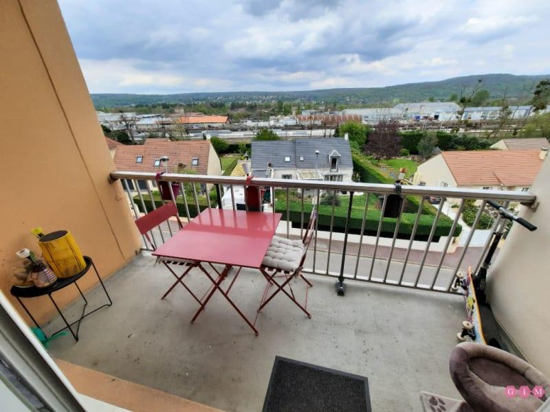 Rental apartment Verneuil sur seine 842€ CC - Picture 1