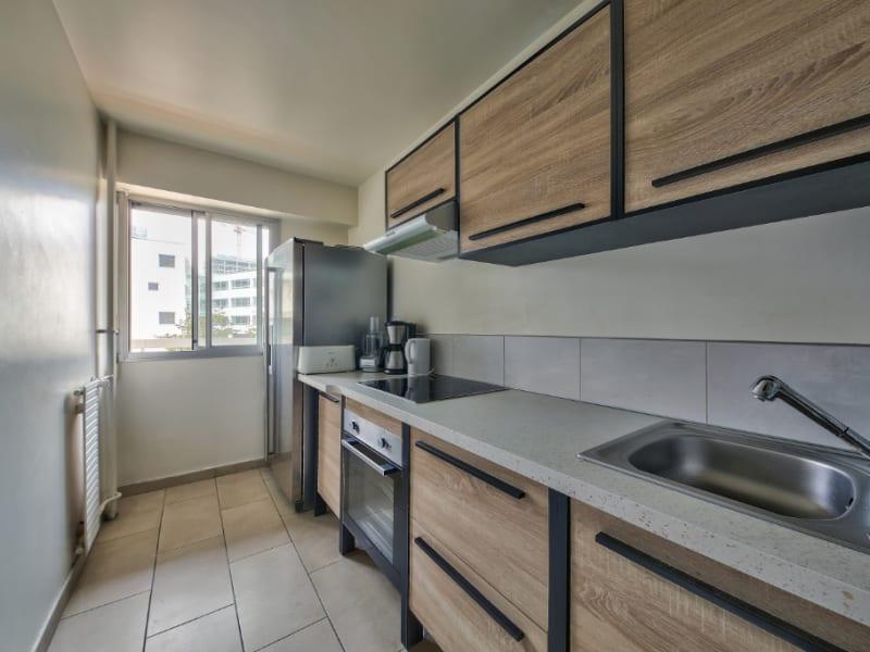 Sale apartment Courbevoie 650000€ - Picture 2