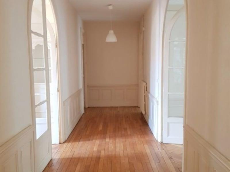 Rental apartment Lyon 3ème 2476€ CC - Picture 2