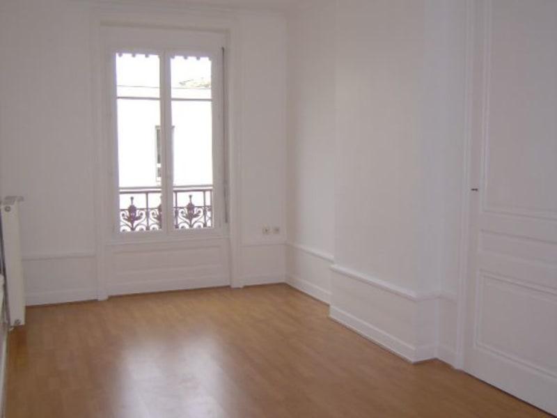 Rental apartment Lyon 6ème 858€ CC - Picture 2