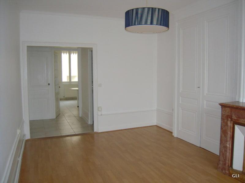 Rental apartment Lyon 6ème 858€ CC - Picture 3