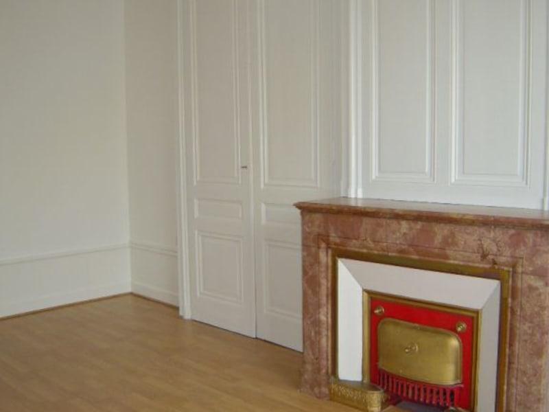 Rental apartment Lyon 6ème 858€ CC - Picture 4