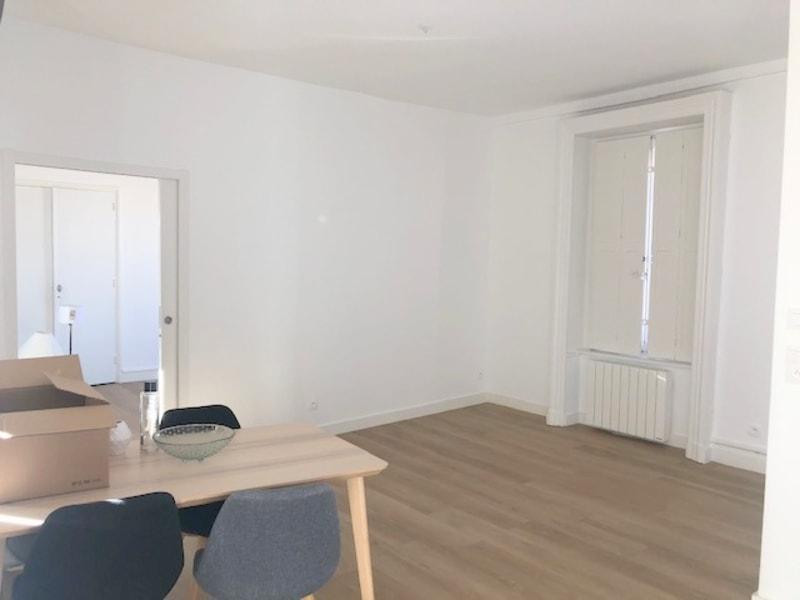 Rental apartment Lyon 2ème 1215€ CC - Picture 3