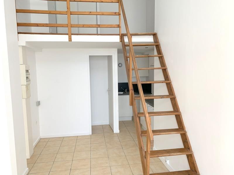 Rental apartment Lozanne 280€ CC - Picture 1