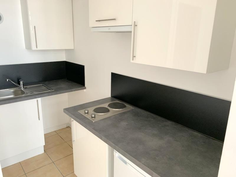 Rental apartment Lozanne 280€ CC - Picture 2