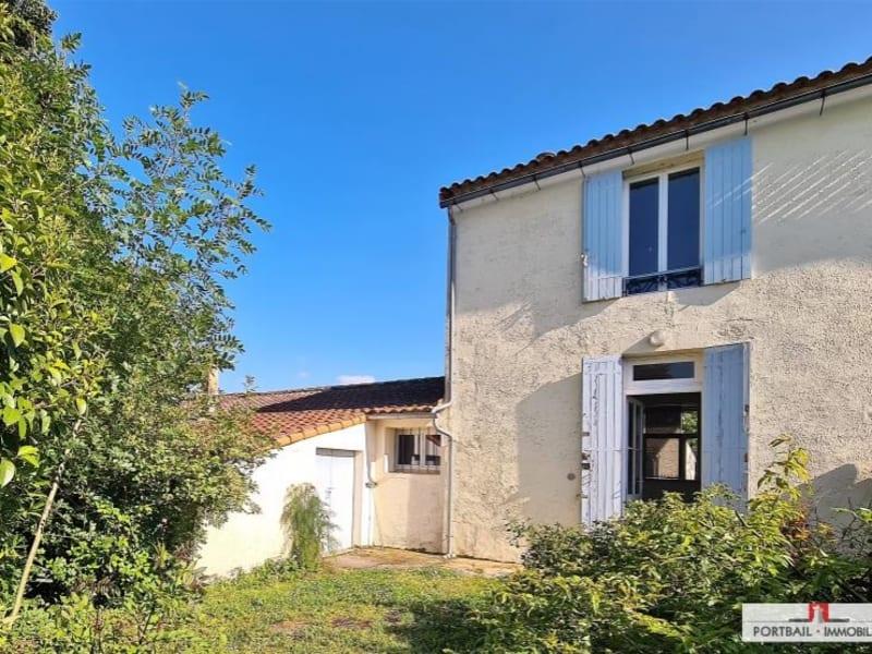 Sale house / villa Plassac 160000€ - Picture 1