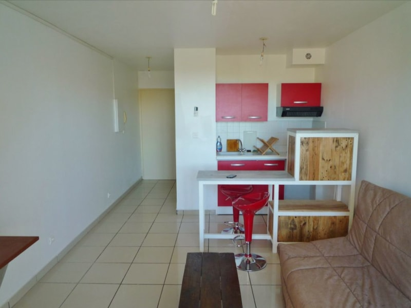 Rental apartment Sainte clotilde 420€ CC - Picture 1