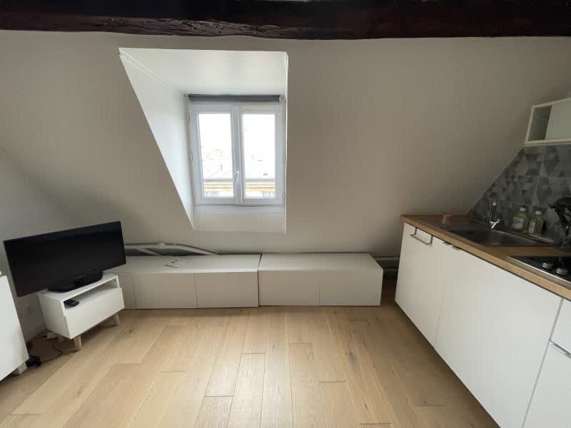 Rental apartment Paris 9ème 850€ CC - Picture 1