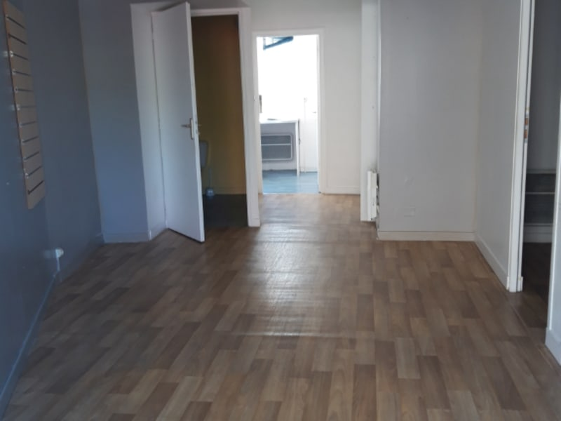 Location local commercial Plumelec 370€ HC - Photo 2