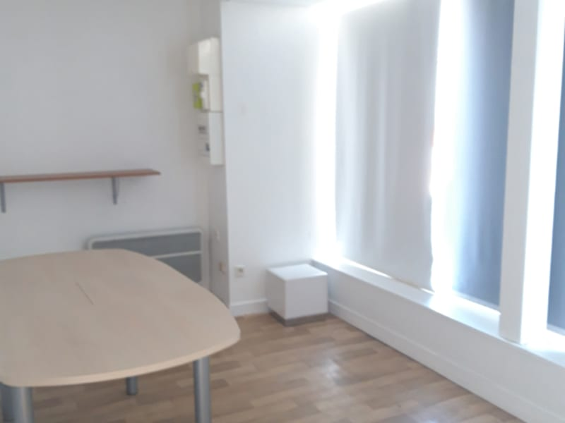Location local commercial Plumelec 370€ HC - Photo 3