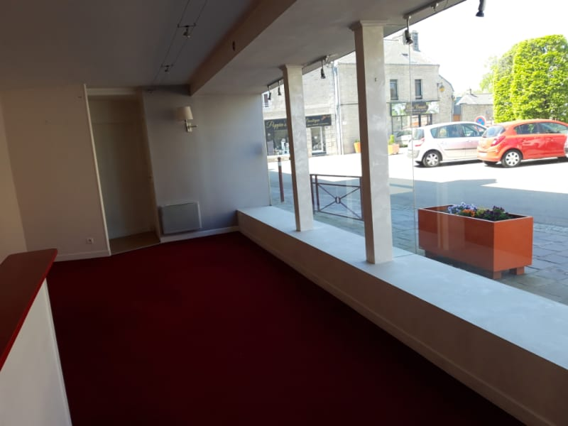 Location local commercial Plumelec 330€ HC - Photo 3