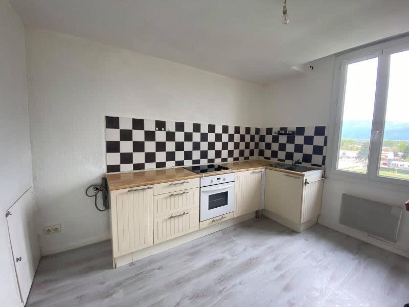 Rental apartment Tullins 380€ CC - Picture 3