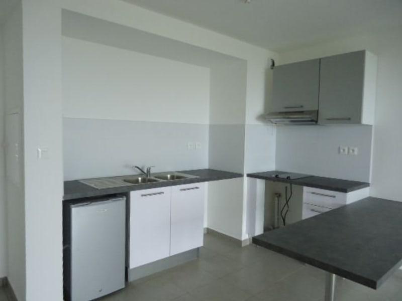 Location appartement St denis 634€ CC - Photo 1