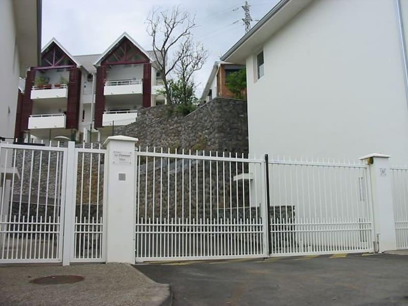 Location appartement Ste clotilde 375€ CC - Photo 1