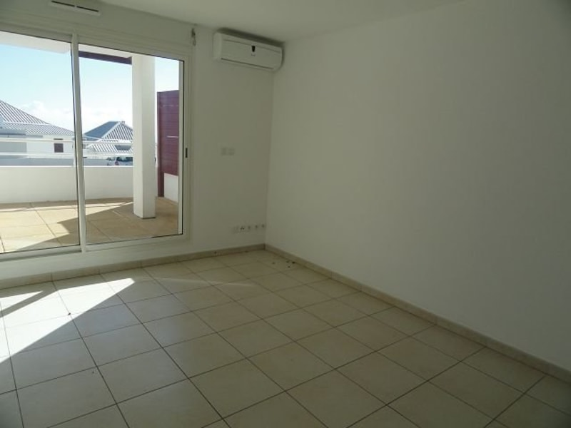 Location appartement Ste clotilde 375€ CC - Photo 3