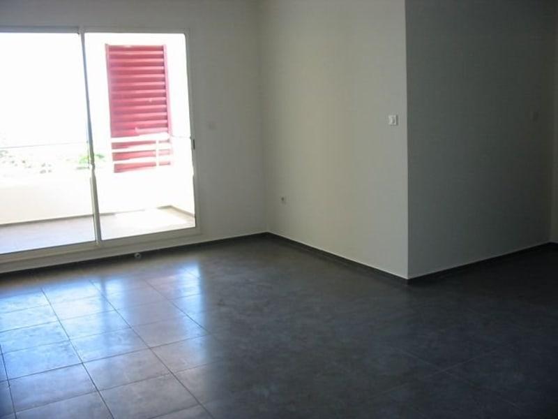 Location appartement Ste clotilde 800€ CC - Photo 1