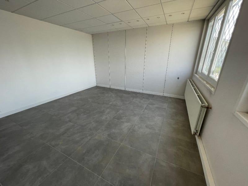 Rental office Bruges 300€ HC - Picture 1