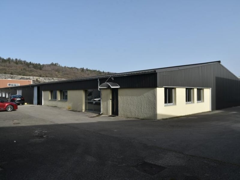 Location local commercial Arbent 2700€ HC - Photo 1