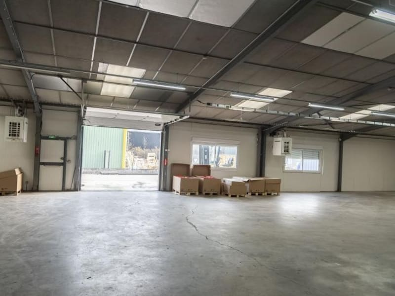 Location local commercial Arbent 2700€ HC - Photo 3